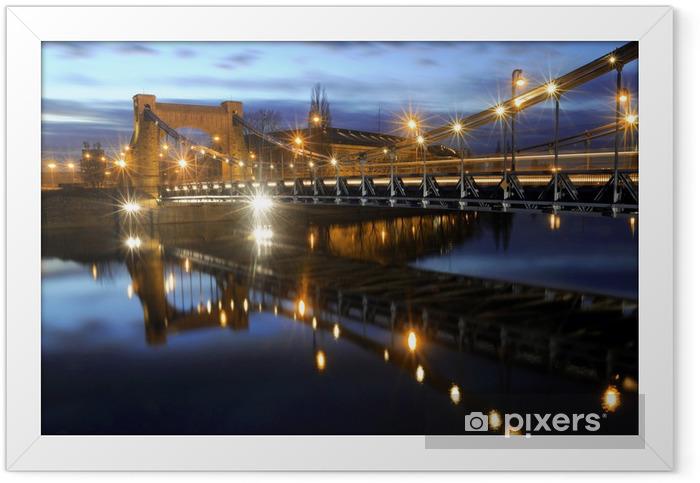 Poster en cadre Une scène paysage urbain du pont Grunwadzki situé en Pologne. - Thèmes