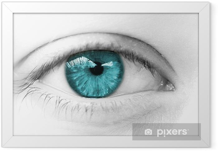 oeil bleu vert regard de femme heureuse Framed Poster - Themes