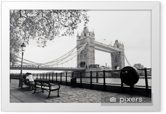 Plakat w ramie Czarno-biały widok na Tower Bridge - Tematy