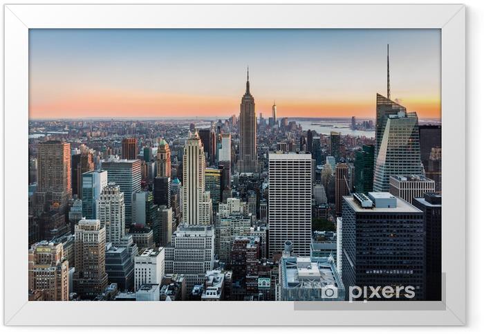 New York skyline at sunset Framed Poster -