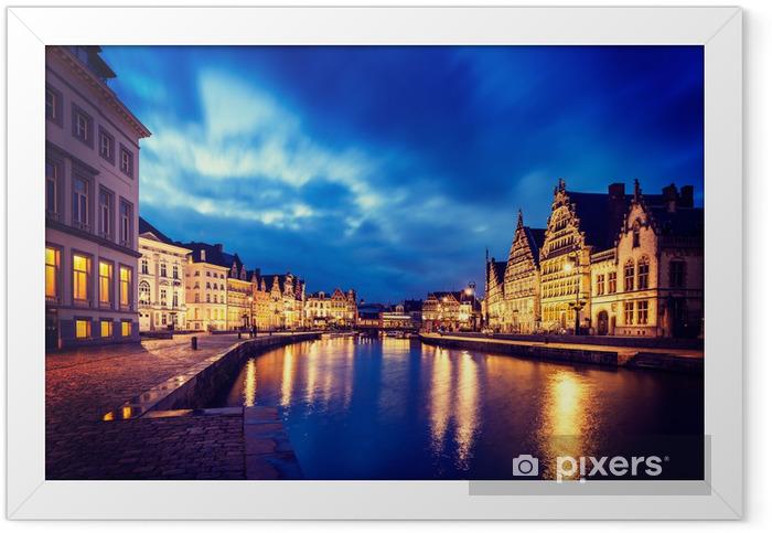Ingelijste Poster Gentse kanaalzone, Graslei en Korenlei straten in de avond. Gent, - Europa