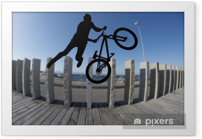 Plakat w ramie Bmx rider sylwetka sportu w dzia scenerii tle - Kolarstwo