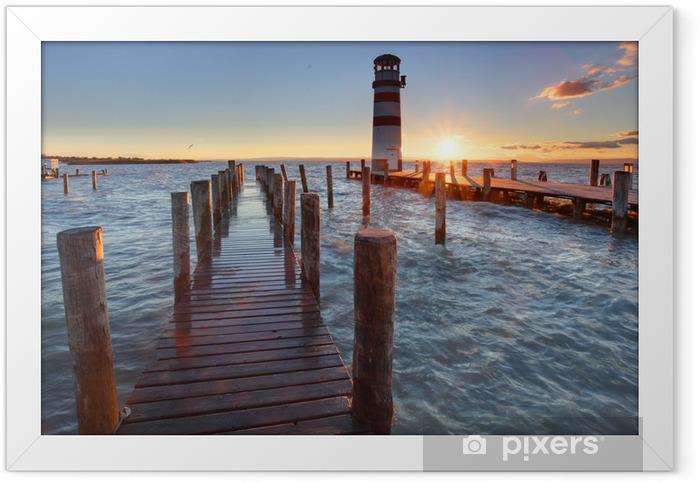 Plakat w ramie Latarnia morska na Jezioro Nezyderskie na zachodzie słońca - Latarnia morska