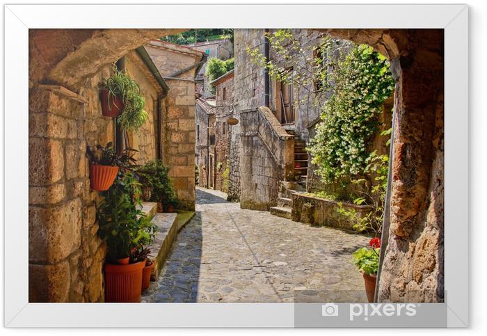 Plakat w ramie Łukowata brukowanej ulicy w toskańskiej wiosce, włochy - Tematy