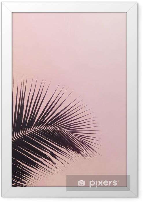 Plakat w ramie Jedna sylwetka liści palmowych na różowym kolorze nieba. twórczy minimalizm. copyspace dla tekstu - Rośliny i kwiaty