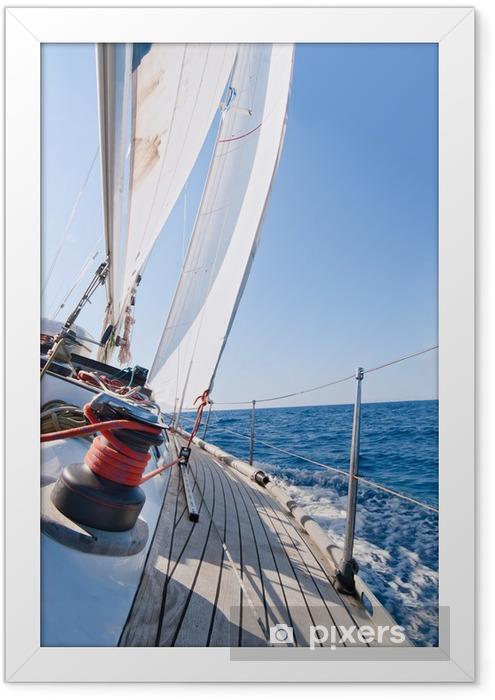 Plakat w ramie Jacht na morzu - Transport wodny