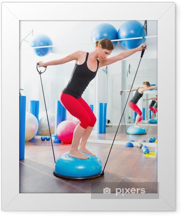 Plakat w ramie BOSU piłka do instruktora fitness kobieta w aerobiku - Zdrowie