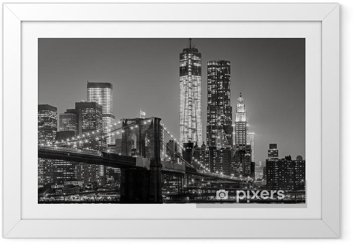 Poster i Ram New York by night. Brooklyn Bridge, Lower Manhattan - Svart en -