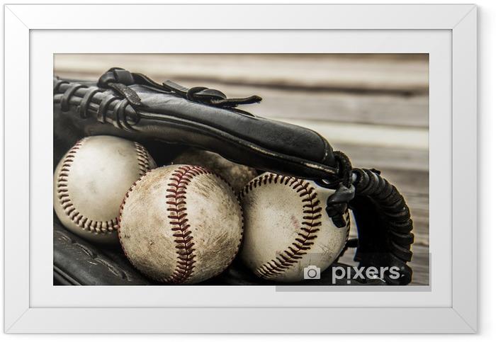 Plakat w ramie Baseball mitt na drewnianych tle - Sporty drużynowe