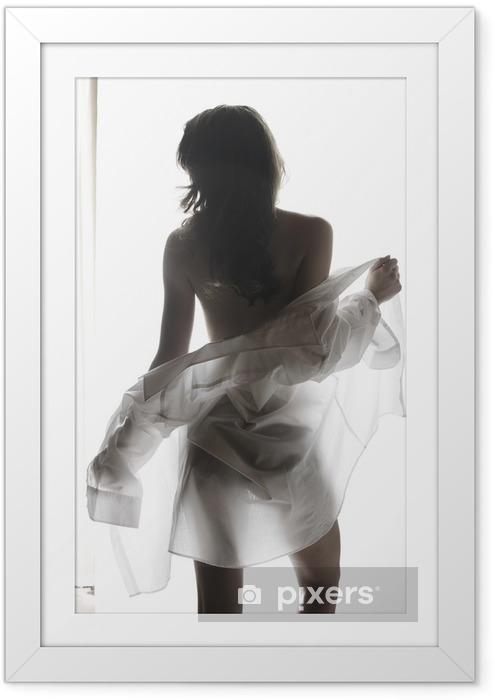 Poster i Ram Ung kvinna undressing - Underkläder