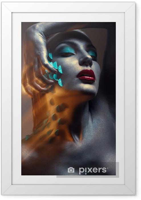 Plakat w ramie Twórczy Portret piękno z błękitnym łuszczenie - Tematy
