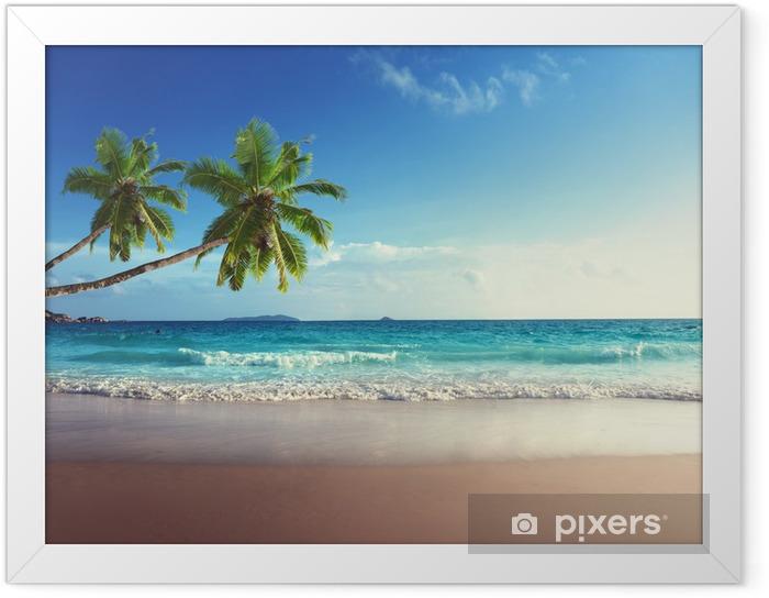 Ingelijste Poster Zonsondergang op het strand van de Seychellen - Palmbomen