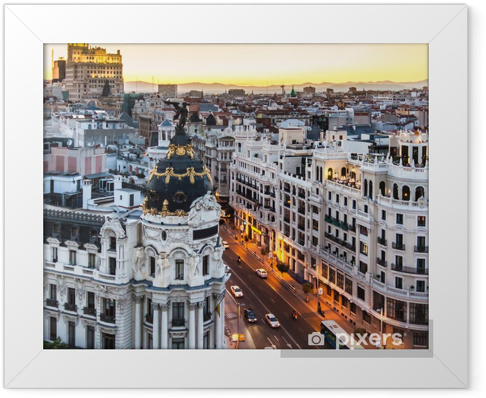Plakat w ramie Panoramiczny widok na Gran Via, Madryt, Hiszpania. - Tematy