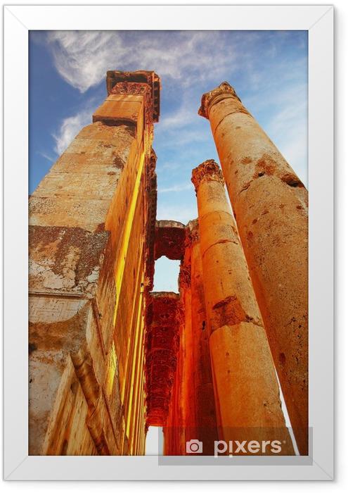 Ingelijste Poster Jupiter's tempel over blauwe hemel, Baalbek, Libanon - Midden Oosten