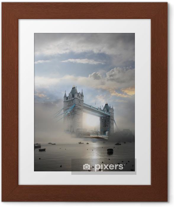 Póster Enmarcado Tower Bridge con niebla en Londres, Inglaterra - Temas
