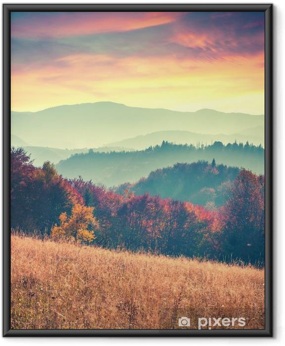 Çerçeveli Poster Karpat dağlarında renkli sonbahar gündoğumu - Manzaralar