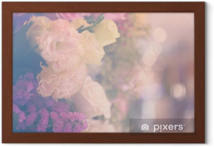 Plakat w ramie Vintage carnetion i róża bukiet kwiatów miękkie tło - Rośliny i kwiaty