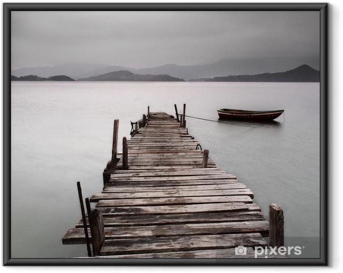 Plakat w ramie Patrząc na molo i łodzi, niskie nasycenie -