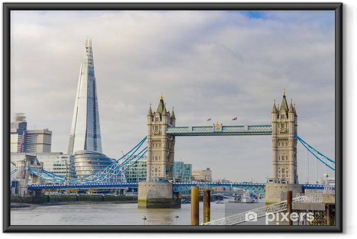 Çerçeveli Poster Londra, İngiltere'de Thames nehri üzerinde Shard ve Tower Bridge -