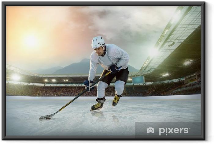 Plakat w ramie Lód hokeista na lodzie. otwarty stadion - zima Klasyczna gra - Sporty indywidualne