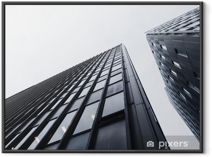 Plakat w ramie Architektura szczegółowo Nowoczesna szklana fasada budynku Black and White - Budynki i architektura