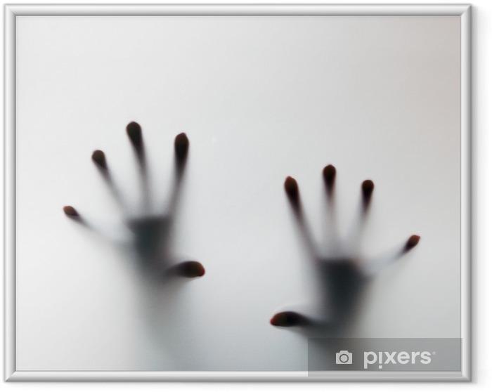 Póster Enmarcado Manos que tocan el vidrio esmerilado. Grito conceptual para ayuda - Temas