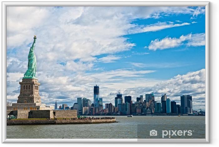Póster Enmarcado La Estatua de la Libertad y Manhattan Skyline, New York City. EE.UU.. - Nueva York
