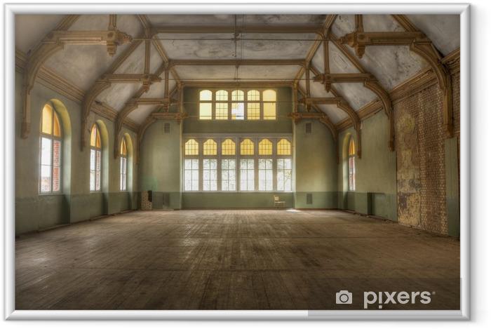 Ingelijste Poster Oude hal in een verlaten ziekenhuis in Beelitz - Monumenten