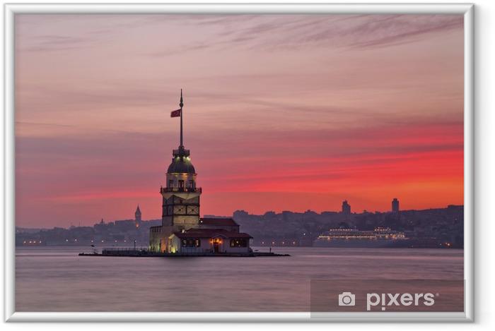 Ingelijste Poster Maiden's Tower bij zonsondergang. Istanbul, Turkije - Aziatische steden