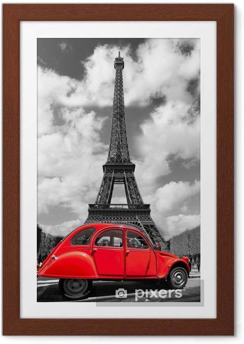 Poster en cadre Tour Eiffel avec la vieille voiture rouge à Paris, France -