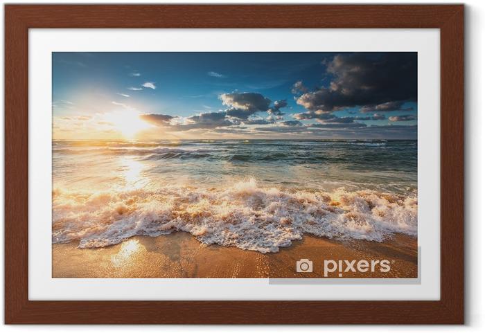 Poster en cadre Beau lever de soleil sur la mer - Paysages