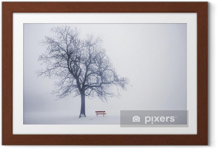 Poster en cadre Arbre d'hiver dans le brouillard - Thèmes