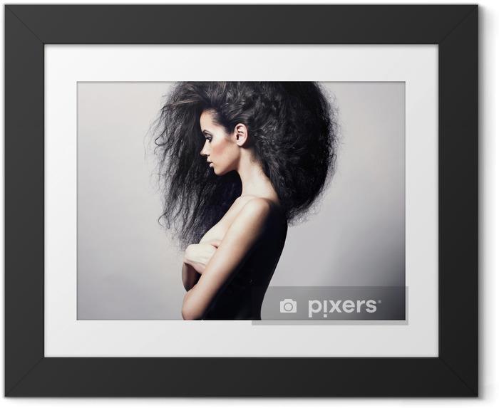 Poster i Ram Vacker kvinna med magnifika hår - Mode