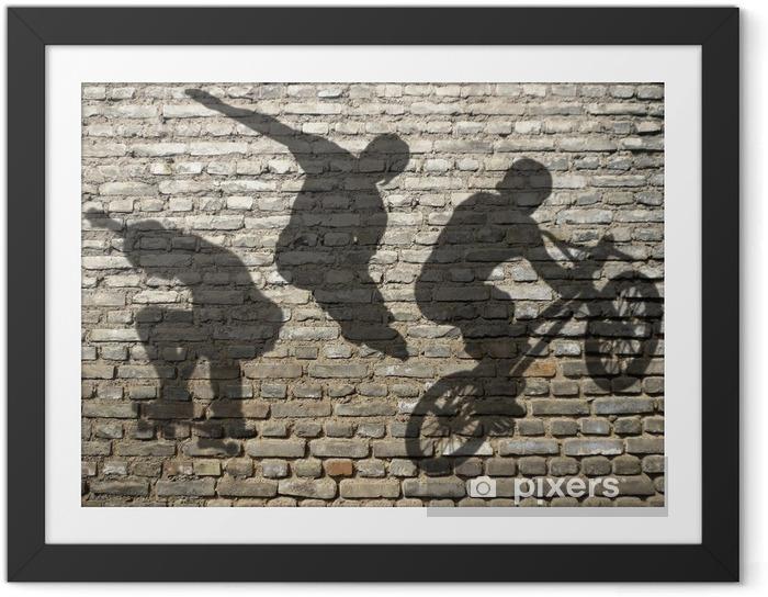 Plakat w ramie Ombres de Skate, Roller & BMX sur mur Briques de - Skateboarding