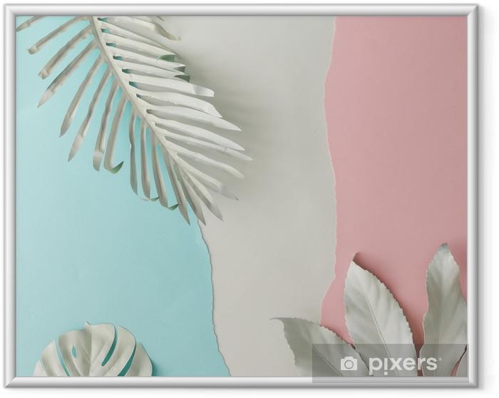 Obrazek w ramie Kreatywny układ wykonany z białych, pomalowanych tropikalnych liści i pastelowego różowego i niebieskiego papieru backround. minimalny płaski układ. - Rośliny i kwiaty