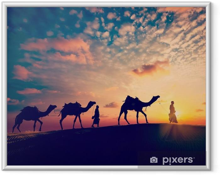 Bild i Ram Två cameleers (kamelförare) med kameler i sanddyner öken - Idrott