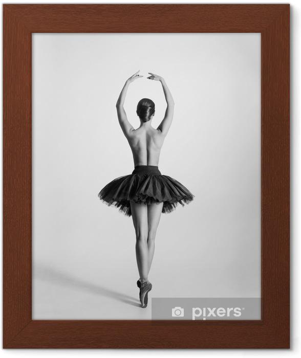 Poster en cadre Trace en noir et blanc d'un danseur de ballet seins nus - Sous-vêtements