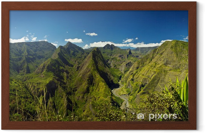 Montagnes réunionnaises Framed Poster - Themes