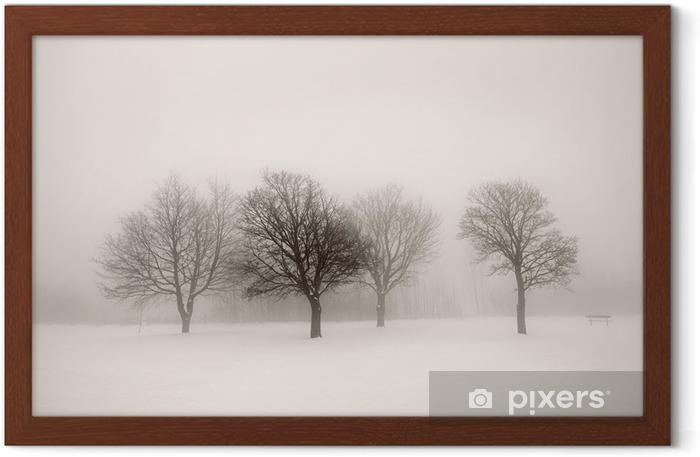 Poster en cadre Arbres d'hiver dans le brouillard - Styles