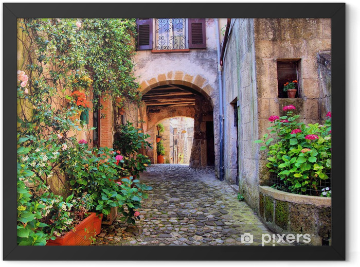 Plakat w ramie Łukowata brukowanej ulicy w toskańskiej wiosce, włochy - Style