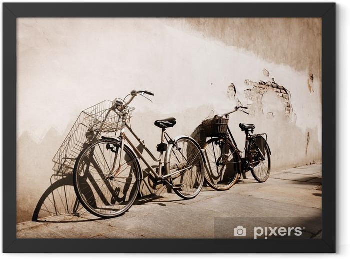 Plakat w ramie Włoski rowery starym stylu oparty o ścianę - Tematy