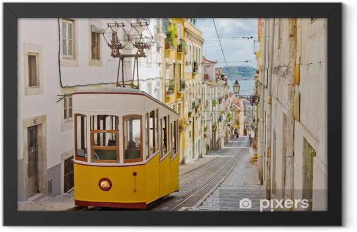 Ingelijste Poster Historische tram op een straat in Lissabon - Thema's
