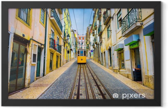 Plakat w ramie Lizbona, Portugalia Old Town Pejzaż i tramwajowy - iStaging