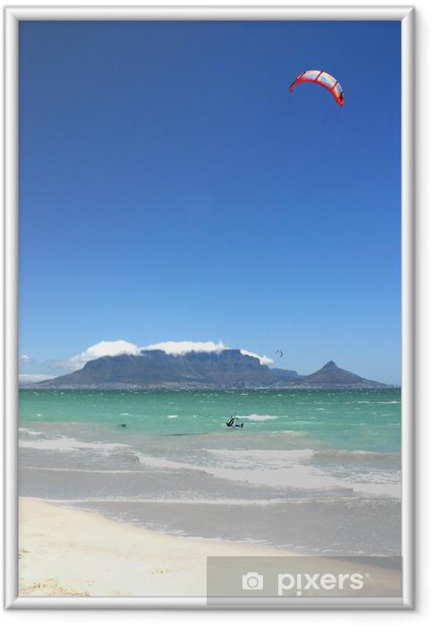Ingelijste Poster De Tafelberg met een kite surfer - Bergen