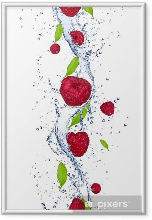 Poster en cadre Framboises fraîches, relevant dans les projections d'eau - Framboises