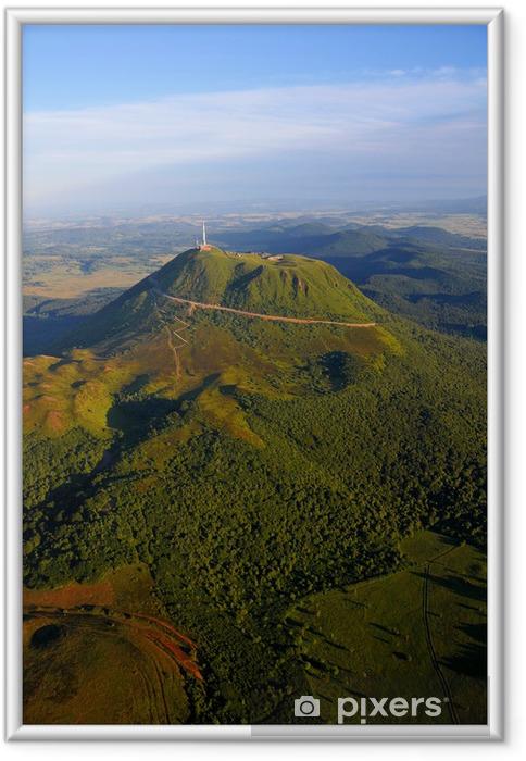 Plakat w ramie Puy de Dome i Park Wulkanów Owernii - Natura i dzicz