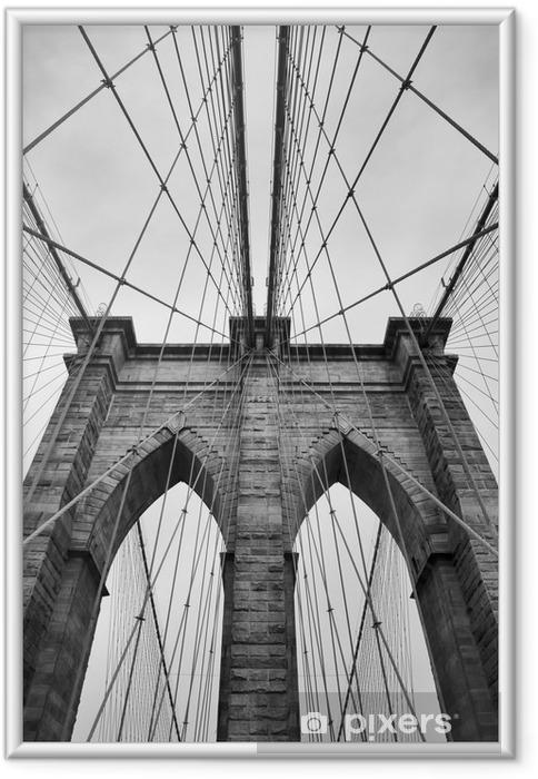 Plakat w ramie Brooklyn Bridge New York City bliska detal architektoniczny w ponadczasowej czerni i bieli - Podróże