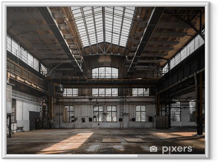 Ingelijste Poster Industrieel interieur van een oude fabriek - Zware Industrie