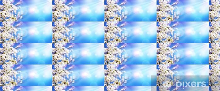 Papier peint vinyle sur mesure Blooming Spring - Blossoms blanc et lumière du soleil dans le ciel __ - Saisons