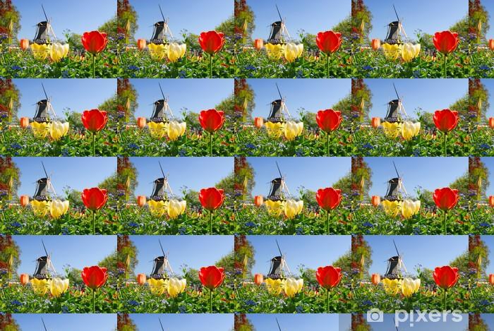 Tapeta na wymiar winylowa Typowy holenderski: młyn i tulipanów w Keukenhof holland - Miasta europejskie